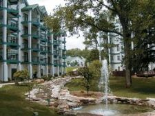 Surrey Vacation Resort - Carriage Place in Branson, Missouri