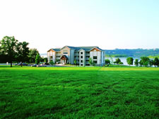 Paradise Point Resort in Hollister, Missouri
