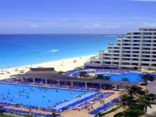 Golden Shores and Crown Paradise Club in Cancun, Mexico