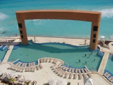 Palace Resort At Beach In Cancun Mexico